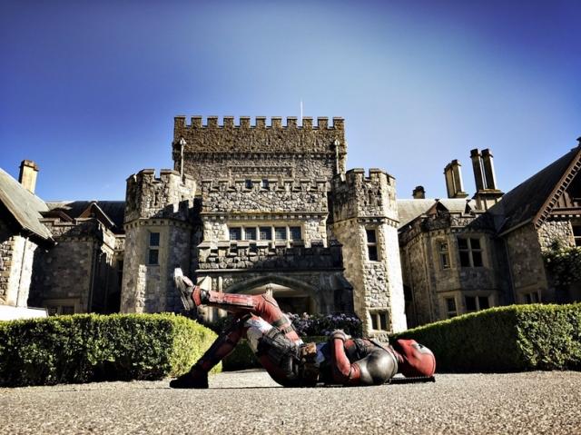 Deadpool-2-Set-Photo-with-X-Men-Mansion.jpg